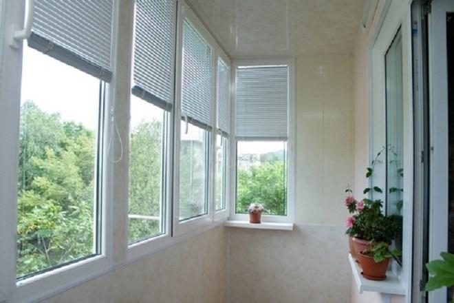 Установка жалюзи (34 фото): как повесить на пластиковые окна.