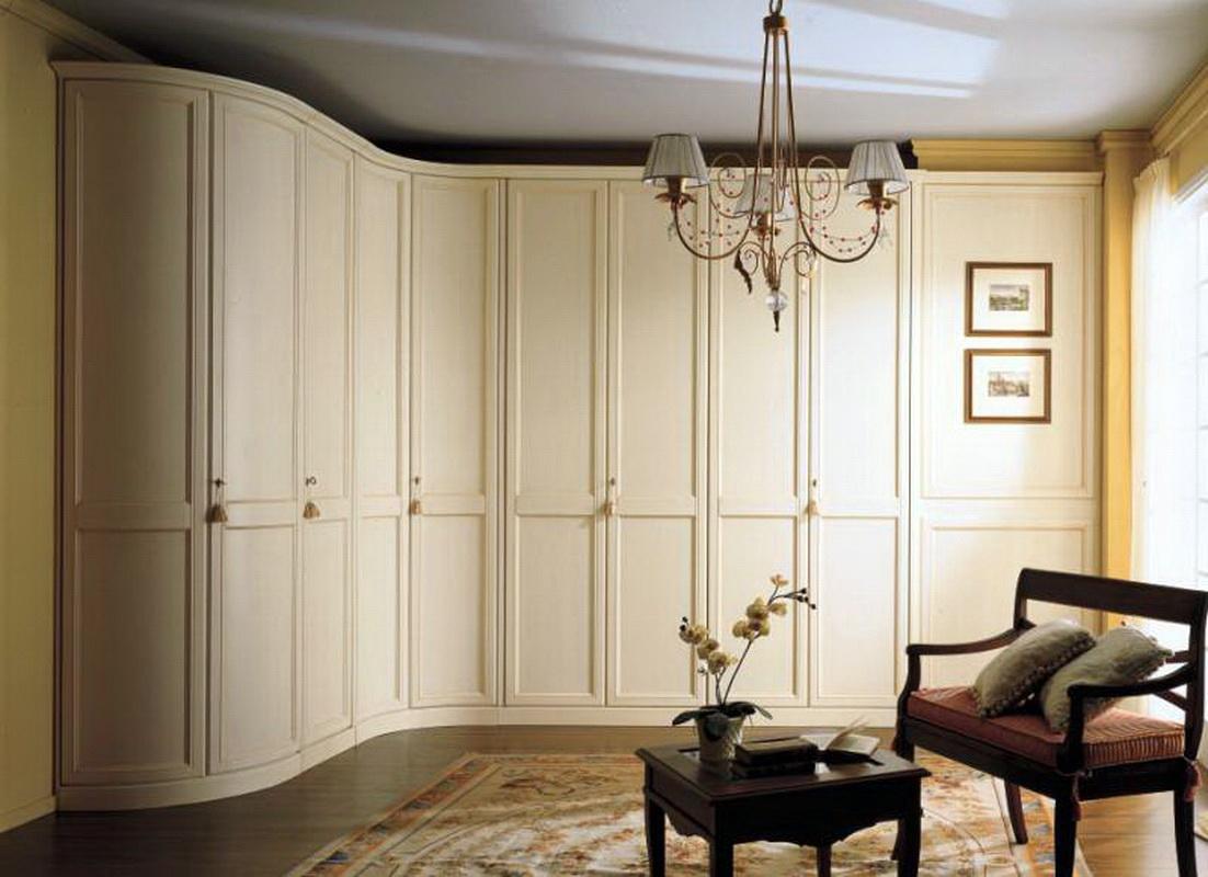 Белые угловые шкафы: матовый вариант и глянец в спальню, рас.