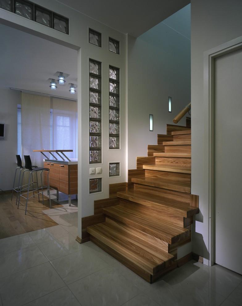Как сделать проход в лестнице 517