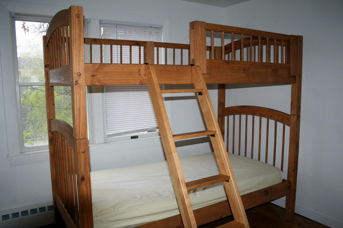 Как сделать двухъярусную кровать своими руками из бруса 62