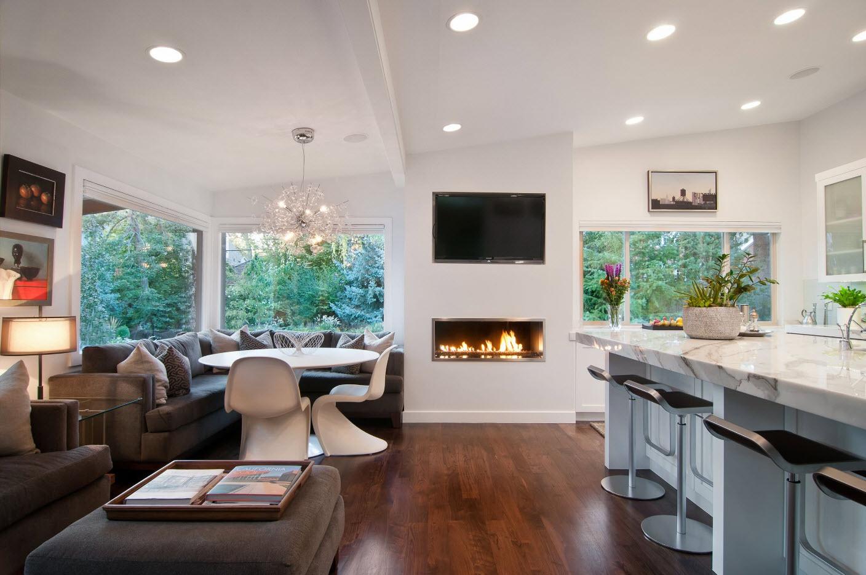Гостиная совмещенная с кухней в доме дизайн 2018