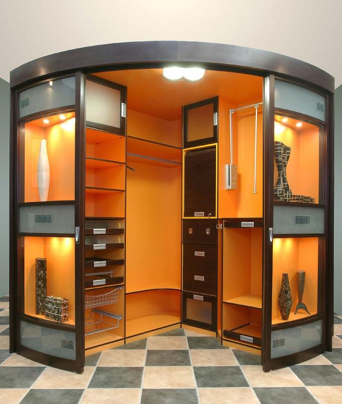 Наполнение угловых шкафов (22 фото): внутренний дизайн с ящи.