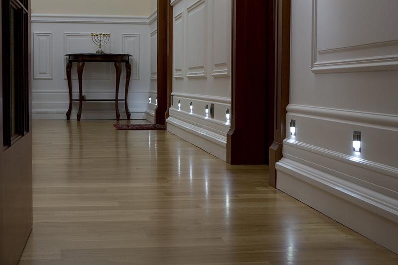 государственных услуг светильники для подсветки пола в коридоре можно рассчитать индивидуально