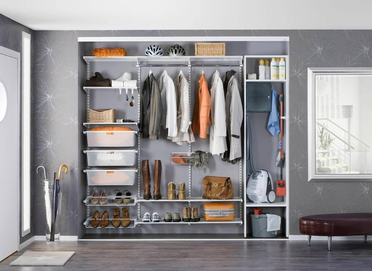 Узкий шкаф в прихожую (53 фото): длинные модели для коридора.