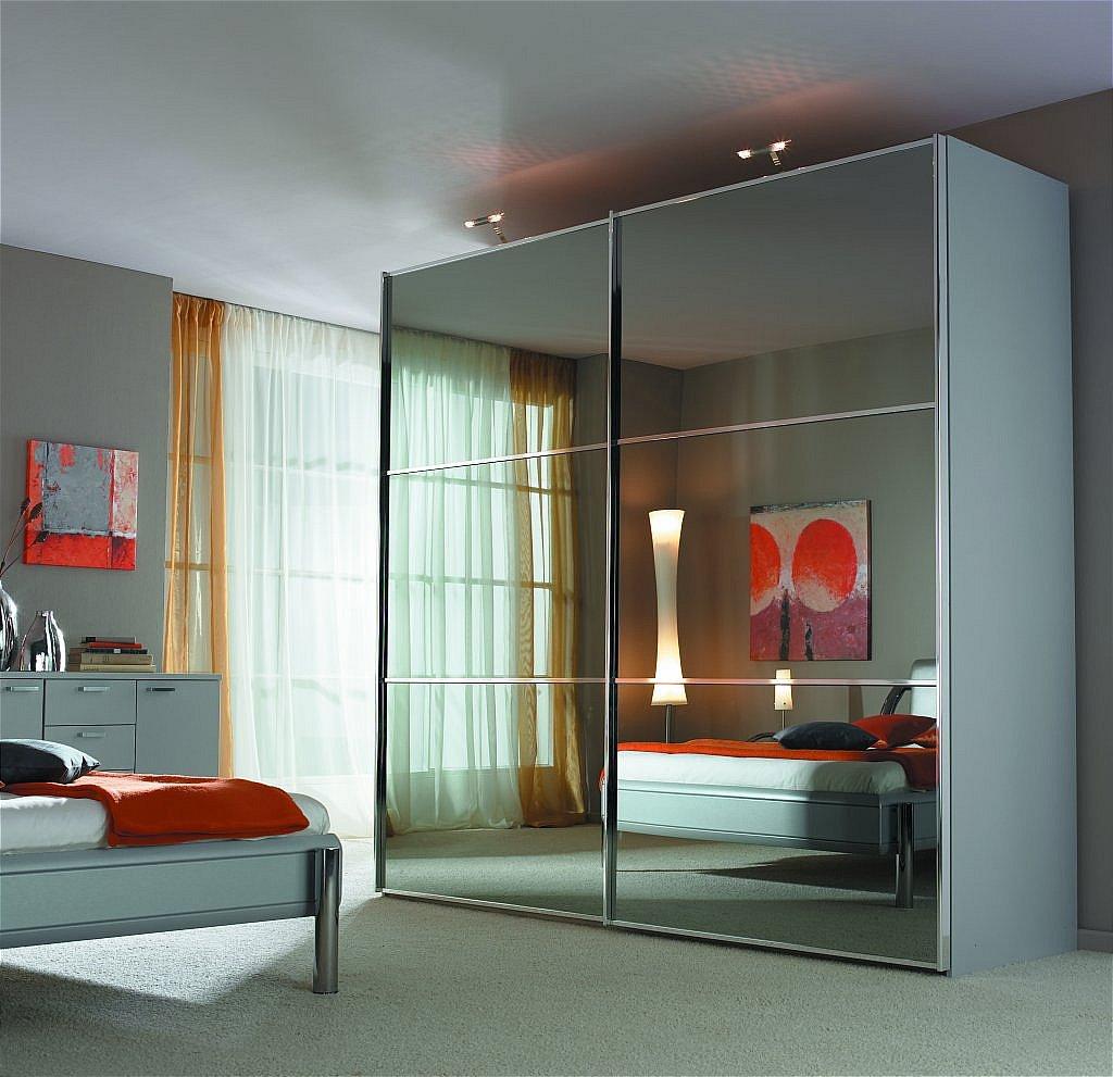 Зеркальные двери-купе: раздвижные межкомнатные модели с зерк.