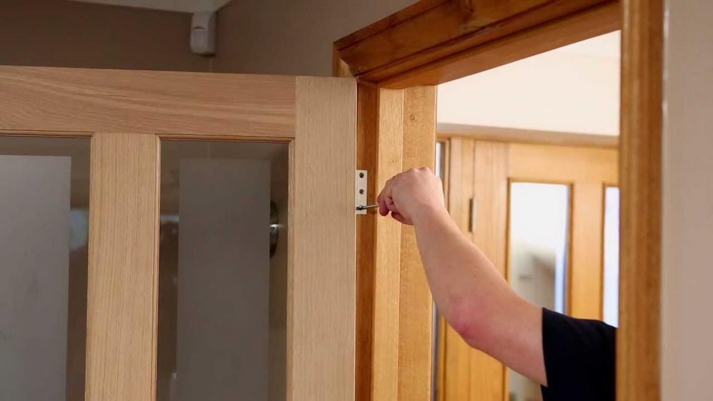 Установка двери деревянной межкомнатной своими руками
