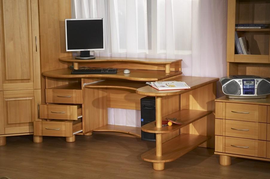Компьютерные столы из дерева своими руками фото