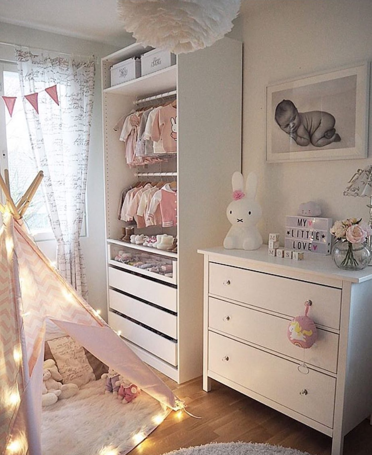 pax ikea 46. Black Bedroom Furniture Sets. Home Design Ideas