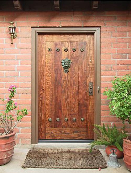 Входные двери из дерева для частного дома своими руками фото