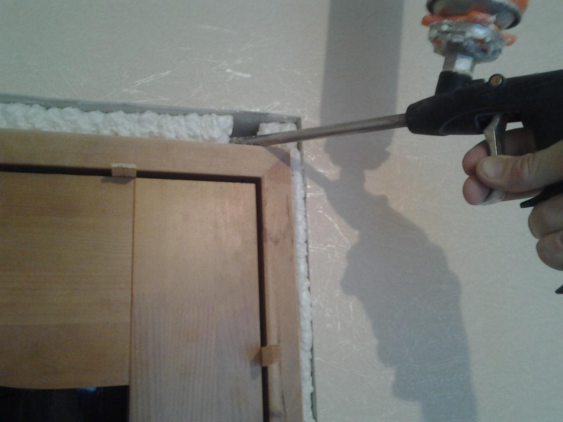 Утепляем деревянную дверь своими руками