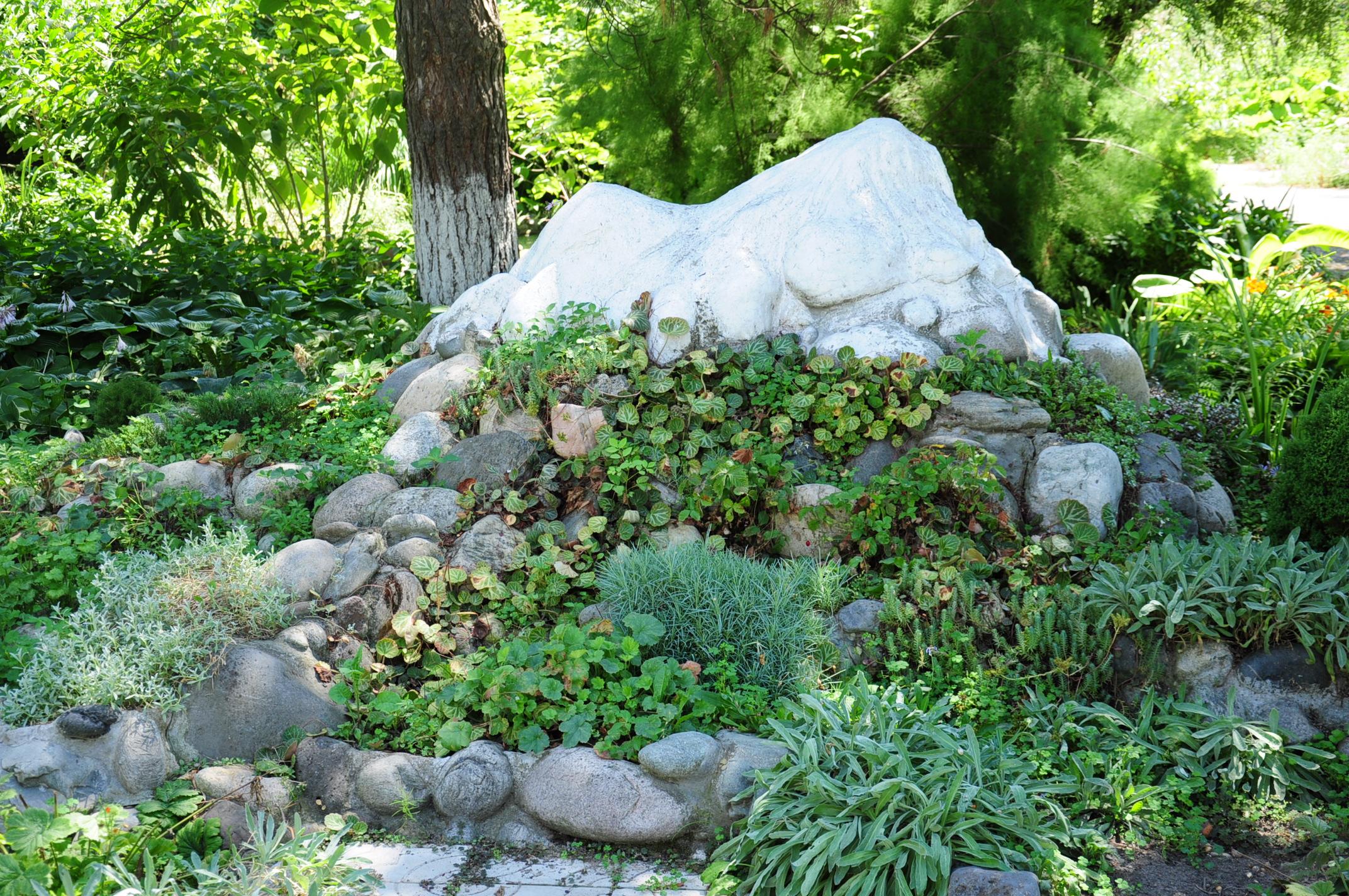 Горка в саду своими руками фото 996