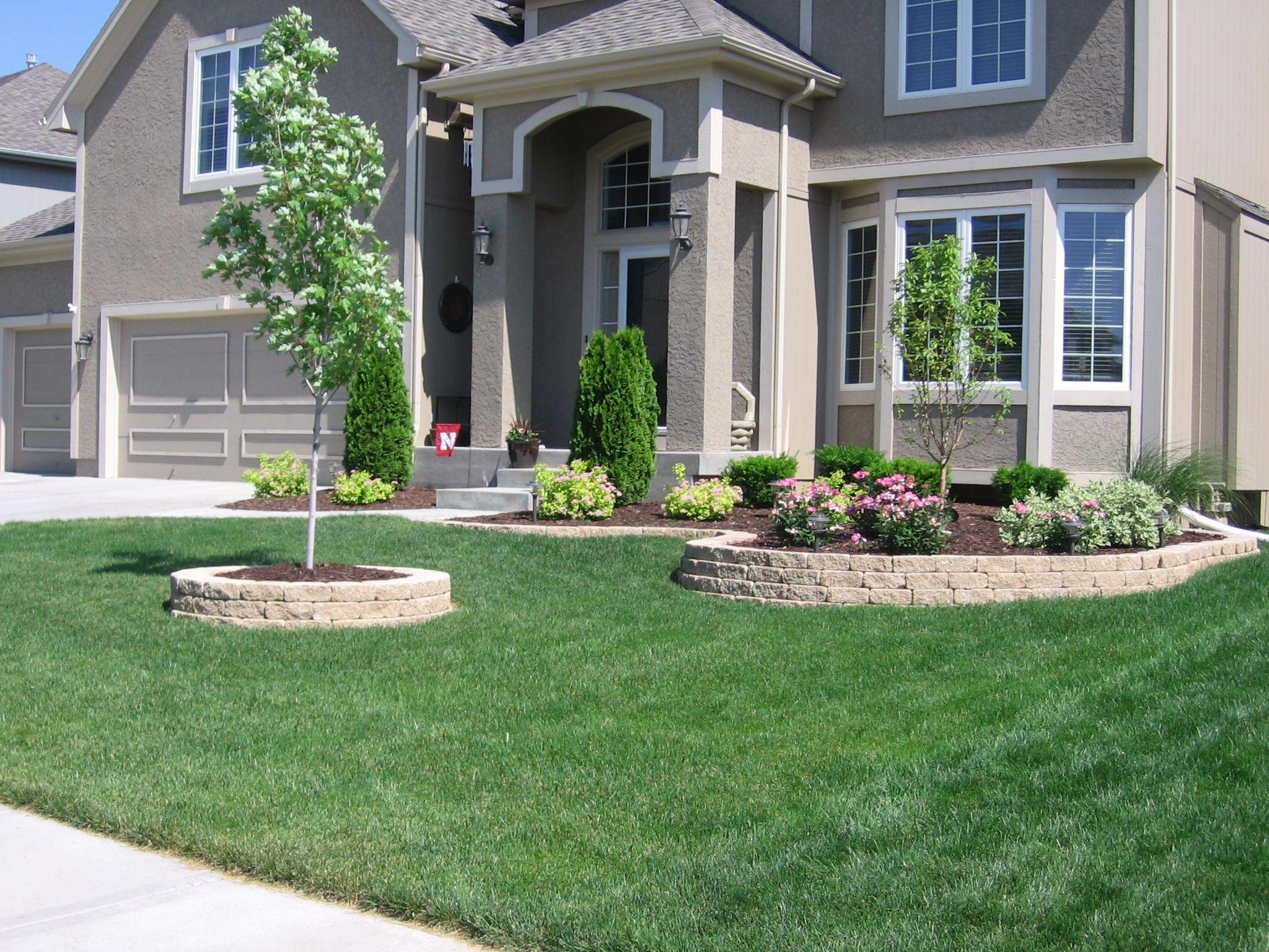 Как красиво оформить полянку перед домом? - ответы экспертов 962