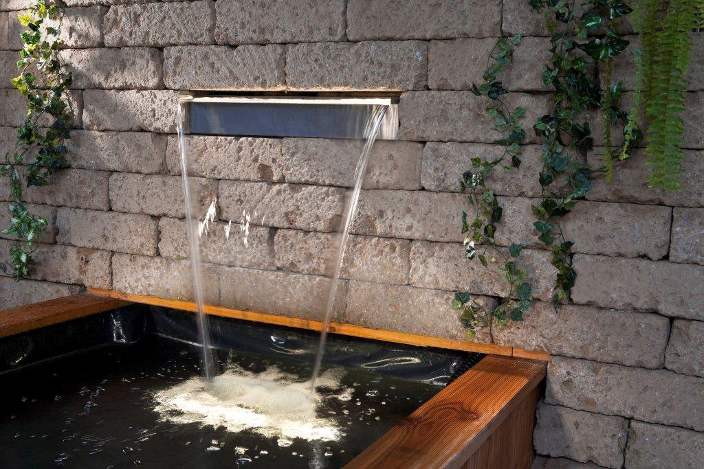 Водопад со стены своими руками на даче 53