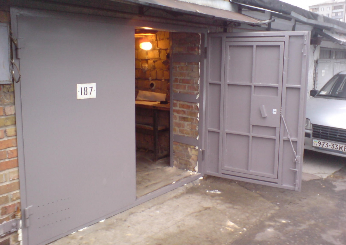 Металлические двери на деревянный гараж куплю гараж в воронеже цена