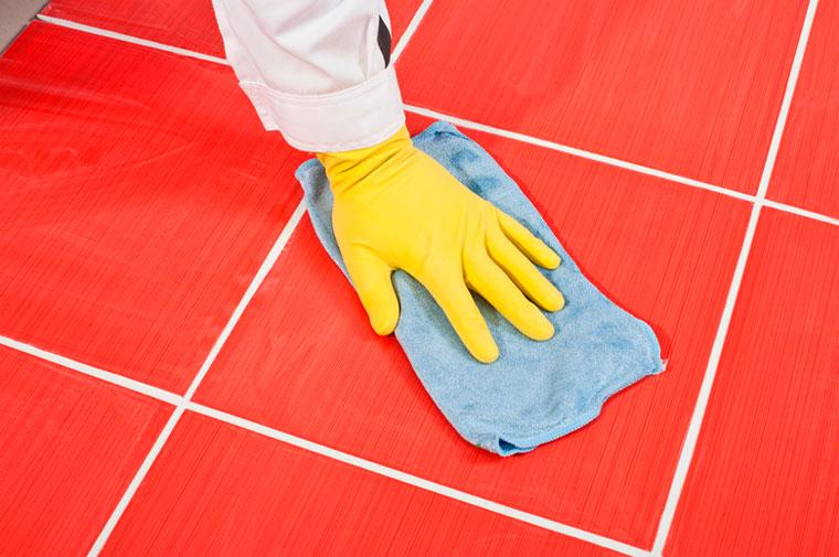 Чем очистить швы между плиткой в ванной и на полу