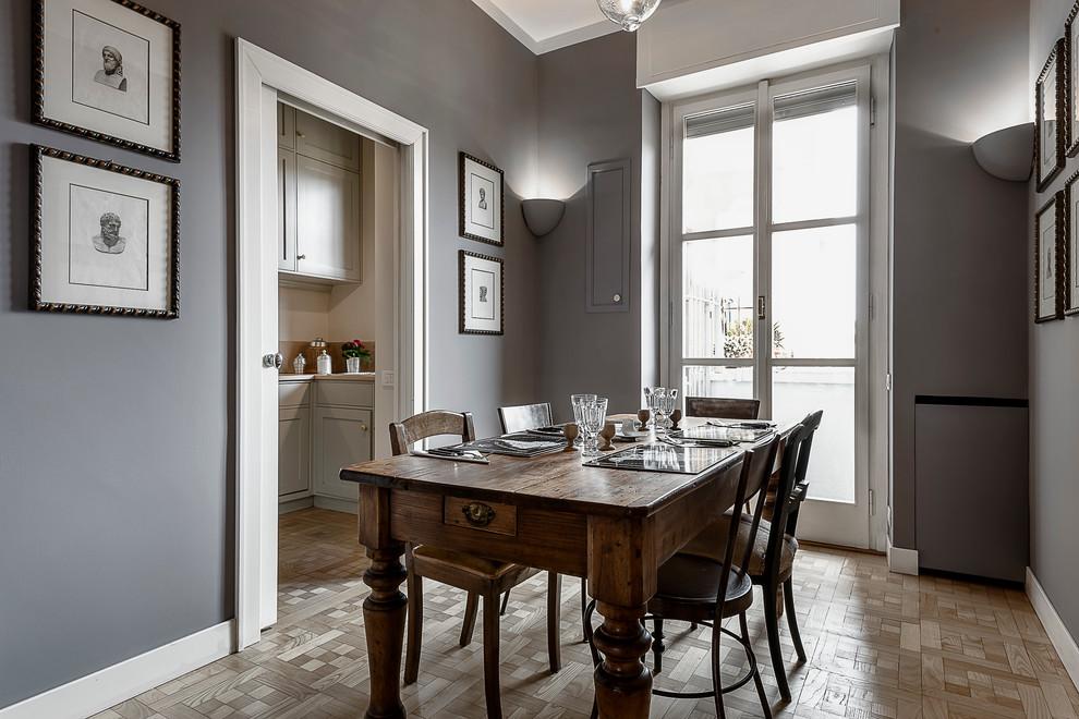 покраска стен в квартире фото примеров кухня очеретный мой