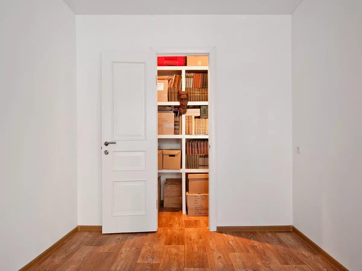 Дверь в кладовой как сделать