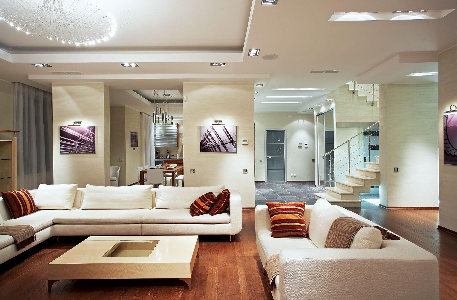 дизайн гостиной в светлых тонах современный стиль реальные фото 1