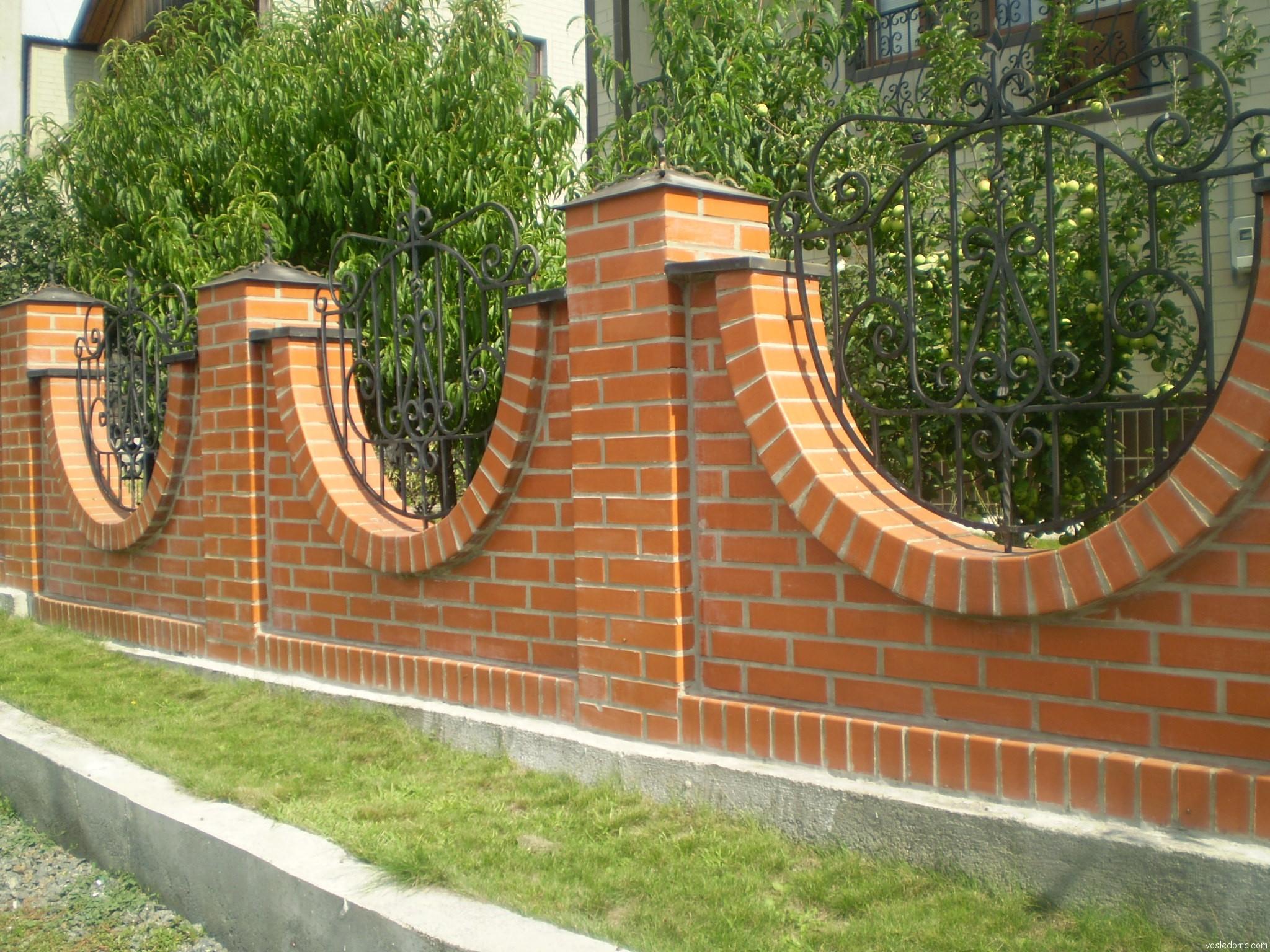 Ограда из кирпича своими руками 80