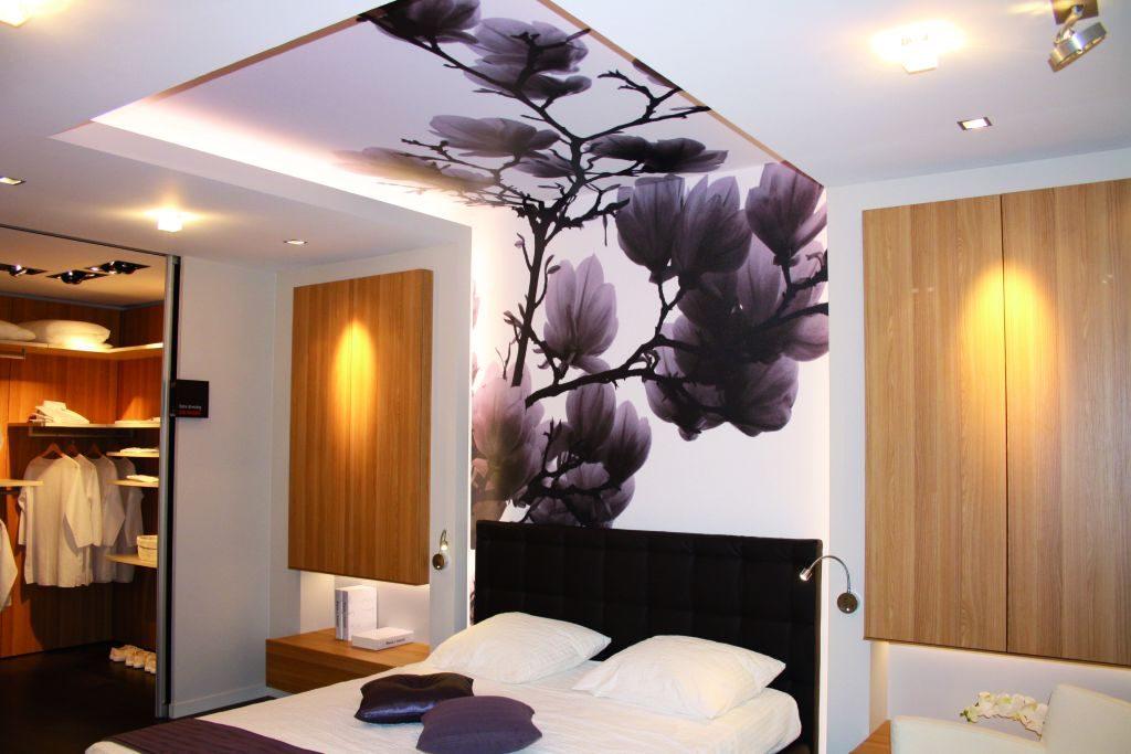 Как сделать натяжной потолок в спальни 925