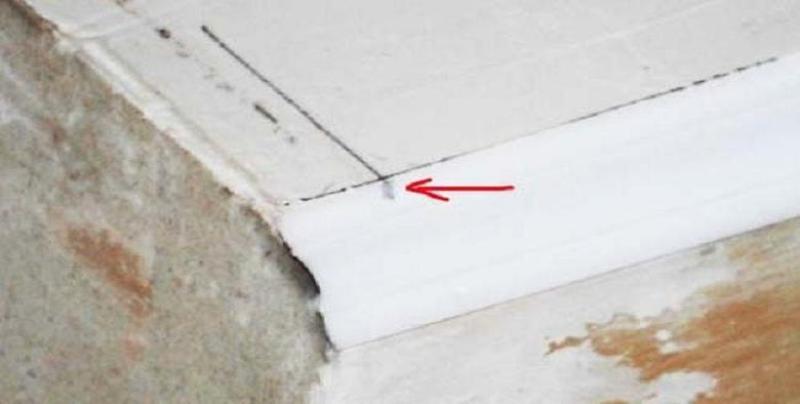 Как сделать уголок на потолке 295