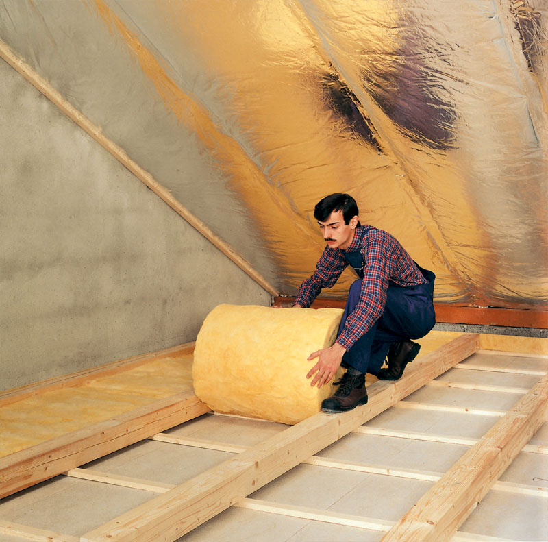 Как сделать правильно утепление потолка в бане с холодной крышей или мансардой В чем разница как не допустить ошибок