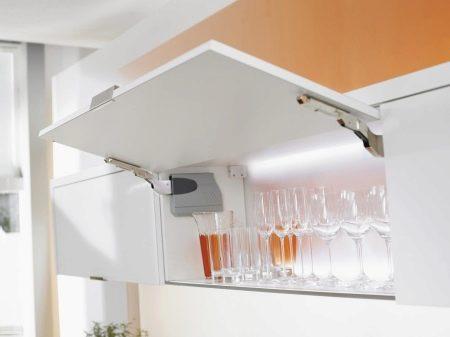 Scharniere für Küchenschränke