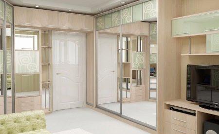 Шкафы вокруг дверных проемов (29 фото): шкаф в стене возле двери, мебель с антресолями в прихожей