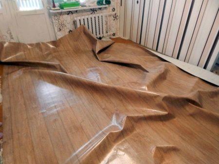 Укладка линолеума (73 фото): как правильно стелить, как класть новый настил на старый, как положить своими руками, как укладывать со звукоизоляцией в квартире