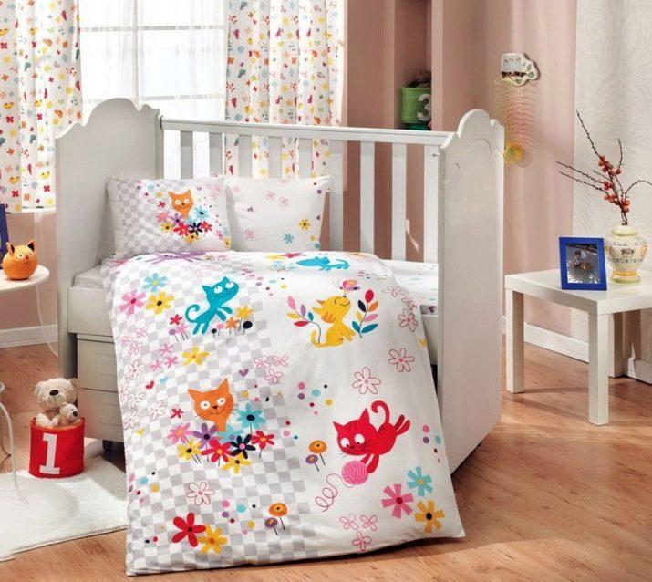 4b58cbb61fee Комплекты в кроватку для новорожденных (104 фото): набор из 7 ...