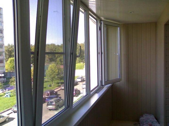 Остекление балконов пластиковыми окнами (53 фото): установка.