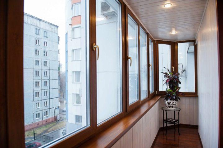 Остекление балконов и лоджий, виды и преимущества остекления.