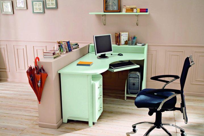 Письменный стол для школьника (103 фото): детский рабочий ст.
