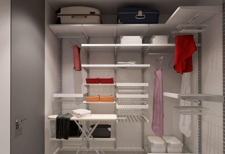 Дизайн-проекты гардеробных комнат (90 фото): маленькие углов.