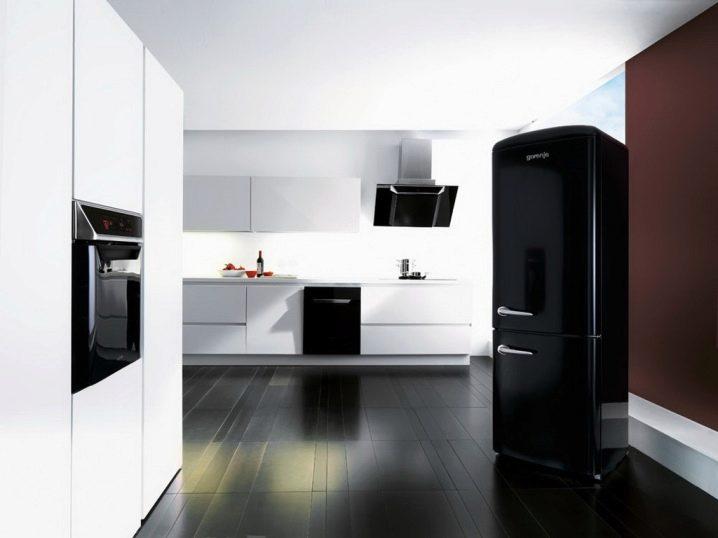 нужный кухни с черными холодильниками фото помощь приходит функция