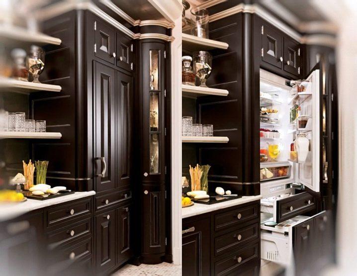 Холодильник в шкаф купе дизайн фото Handcraft Studio