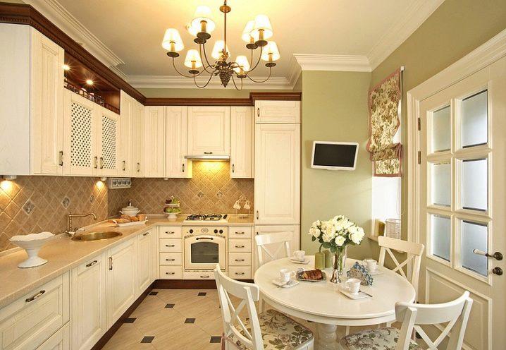 Интерьер кухни в классическом стиле фото 9 кв метров фото