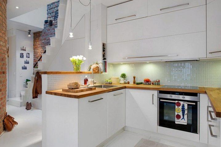 Идеи для кухни 9 кв.м с холодильником