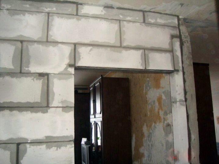 нарастить стену пеноблоками