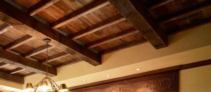 Подшивка потолка черновой доской