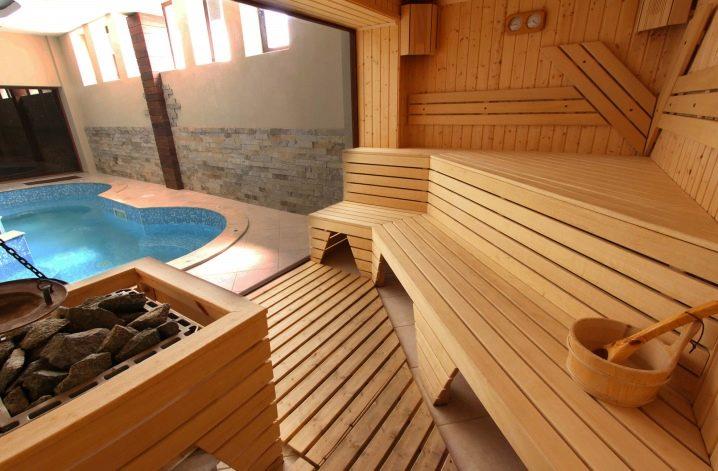 Угловой бассейн для бани